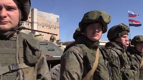 Aleppo residents bid farewell to Russian sappers