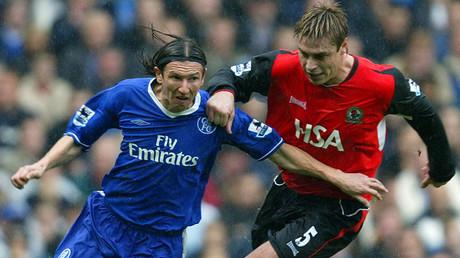 Chelsea's Alexey Smertin (L) and Blackburn Rovers' Garry Flitcroft at Stamford Bridge, London October 23, 2004 © Stephen Hird