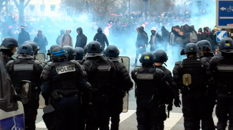 Tear gas reported in Paris as students protest alleged rape of detainee by police (VIDEO)