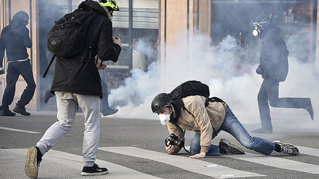 Teargas, Molotovs, smoke grenades: Anti-Le Pen protest in Nantes turns violent