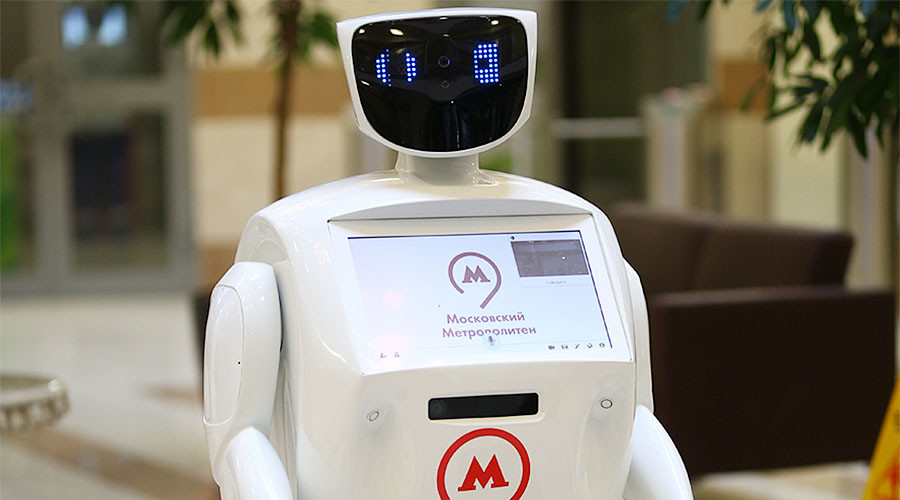 Adorable robot joins Moscow Metro team to greet passengers during holidays
