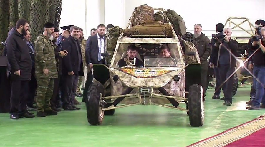 Chechen leader test-drives new military buggy, mulls potential deployment in Syria (VIDEO)