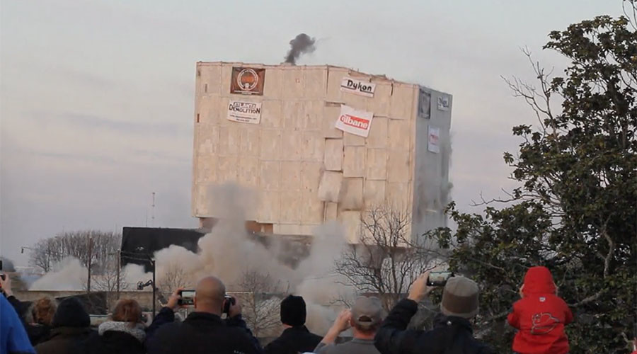 55,000 ton building flattened in seconds with 500lbs of explosives in Atlanta (VIDEO)