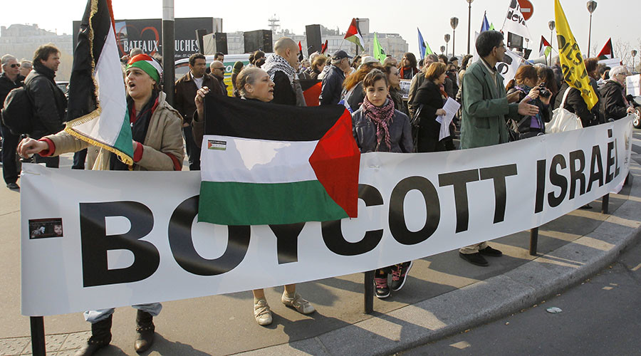 Israel bars entry to foreign supporters of boycott on Jewish State
