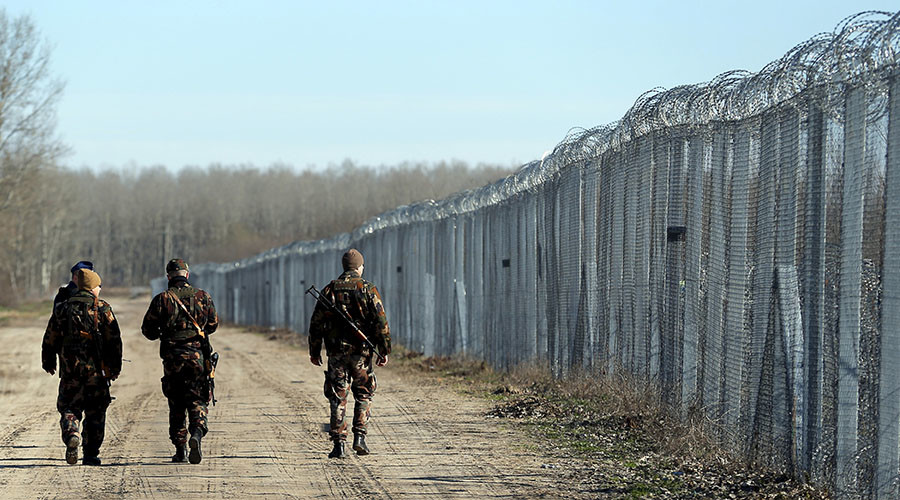 Hungary approves putting migrants in camps at border