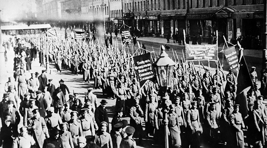 Revolution begins: Mass protests, bloody uprising & Tsar abdicates (#1917LIVE coverage)