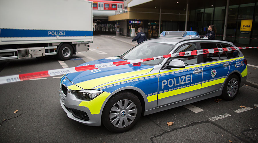 German police shut shopping mall over fears of attack