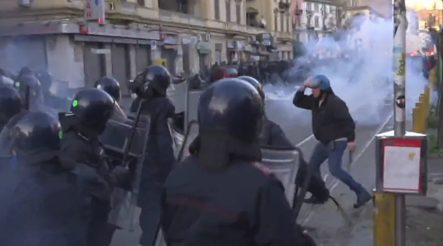Water-cannons, tear gas: Protest over right-wing leader's visit turns violent in Naples (WATCH LIVE)
