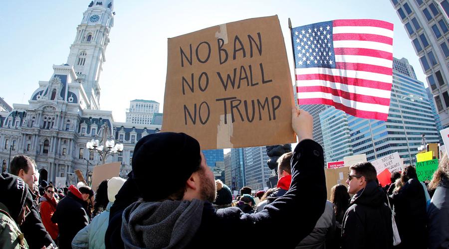 California joins lawsuit against Trump's travel ban
