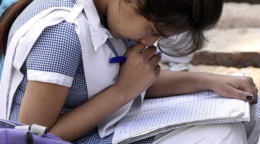 Marketing gurus: Indian temple sells 'magical' pens that bring students good grades