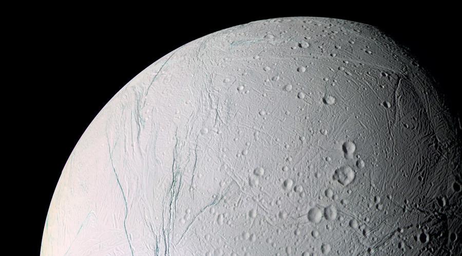 NASA's Cassini detects heat of ocean on Saturn moon (PHOTO)