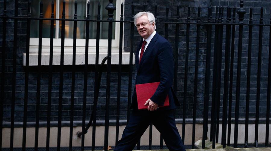 Brexit secretary David Davis admits he has no clue how 'no deal' with EU would hit Britain