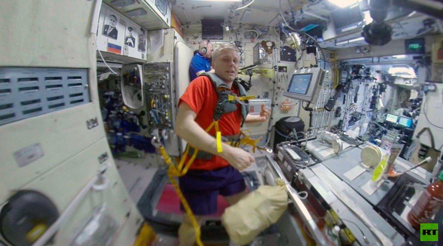 RT Space 360: Pumping iron & jogging at orbital gym
