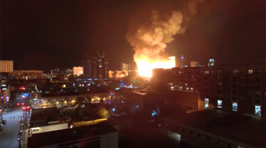 5-alarm fire rages near downtown Raleigh, North Carolina