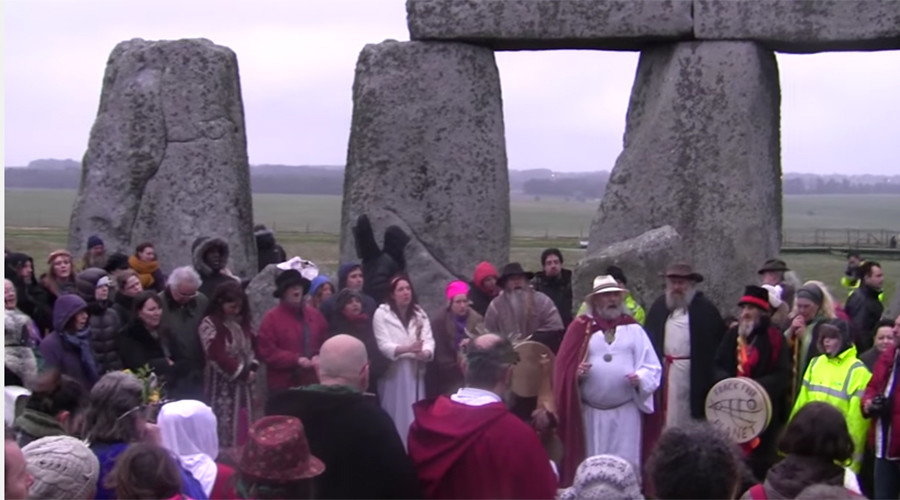 Pagans celebrate first day of spring at Stonehenge during vernal equinox (VIDEOS, PHOTOS)