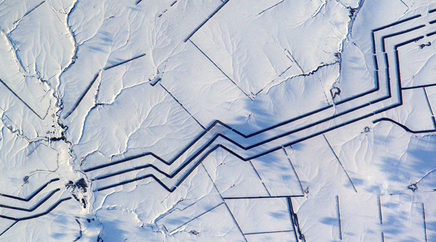 Bizarre image of Russian 'snow art' baffles astronaut (PHOTO)