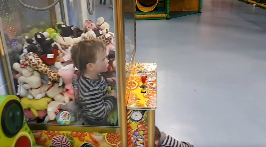 Game over! Toddler gets trapped inside toy-claw arcade machine (VIDEO)