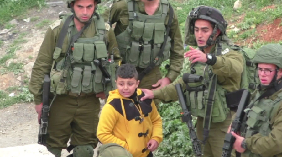 IDF soldiers grab 8yo Palestinian boy, drag him away 'to find stone-throwers' (VIDEO)