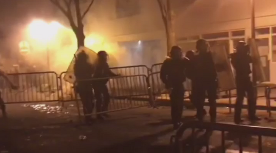 Anti-brutality protest & vigil for man killed by Paris cops turns violent (VIDEOS)