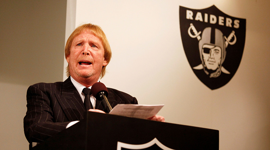 NFL takes Vegas gamble with approval to move Oakland Raiders, fans divided