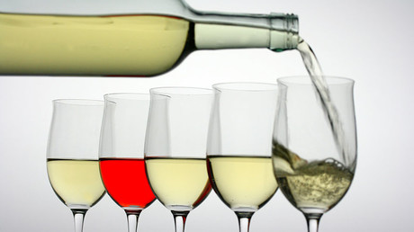 Alcohol special: Government lobbying, drinking responsibly & regulation laws (E453)