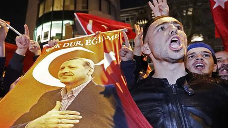 Demonstrators gather outsidethe Turkish consulate, Rotterdam, Netherlands March 11, 2017. © Yves Herman