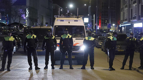 Police block off the street outside the Turkish consulate in Rotterdam © Yves Herman