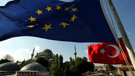 Flags of Turkey and the European Union are seen from the roof of the Covered Bazaar in Istanbul © Fatih Saribas