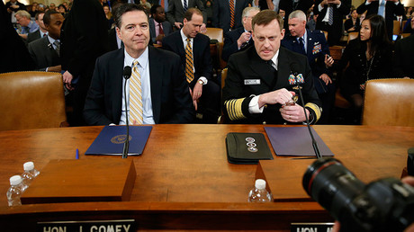 FBI Director James Comey (L) and National Security Agency Director Mike Rogers  © Joshua Roberts