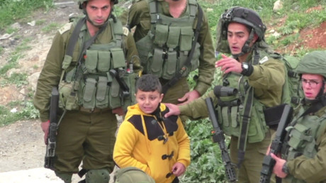 IDF soldiers grab 8yo Palestinian boy, drag him away 'to find stone-throwers' (VIDEO)
