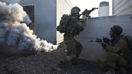 FILE PHOTO: Israeli soldiers take part in an urban warfare drill simulating a battle with Hezbollah, Elyakim military base, Haifa. © Nir Elias
