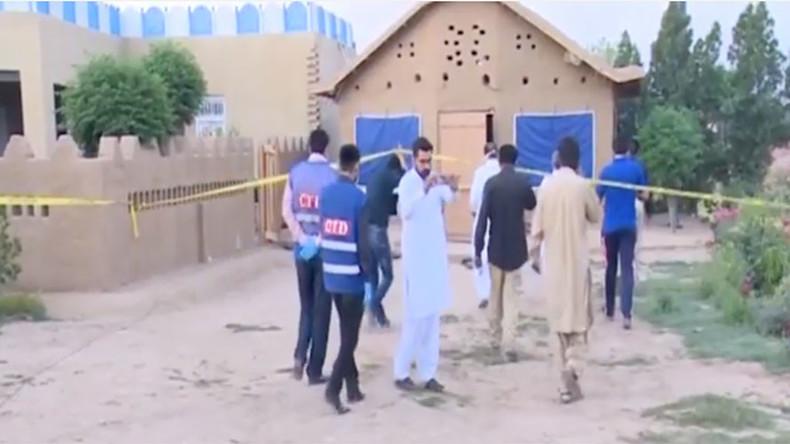 rss.cnn.com Shrine custodian drugs and slashes 20 worshippers in Pakistan bae5b22abff4d