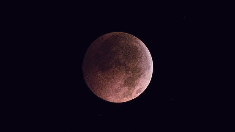 2017 s pink moon here s what it means rt viral When is full moon april 2017
