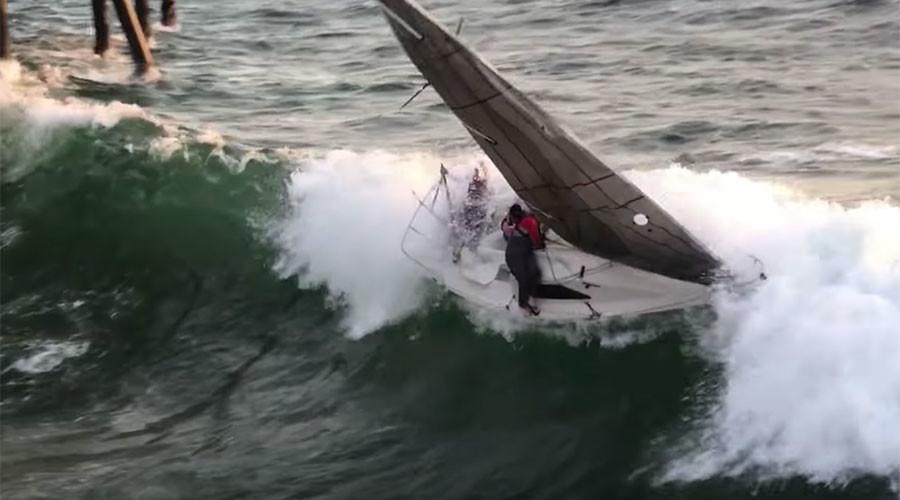 Crew jumps ship seconds before sailboat capsizes, smashes into LA Pier (VIDEO)