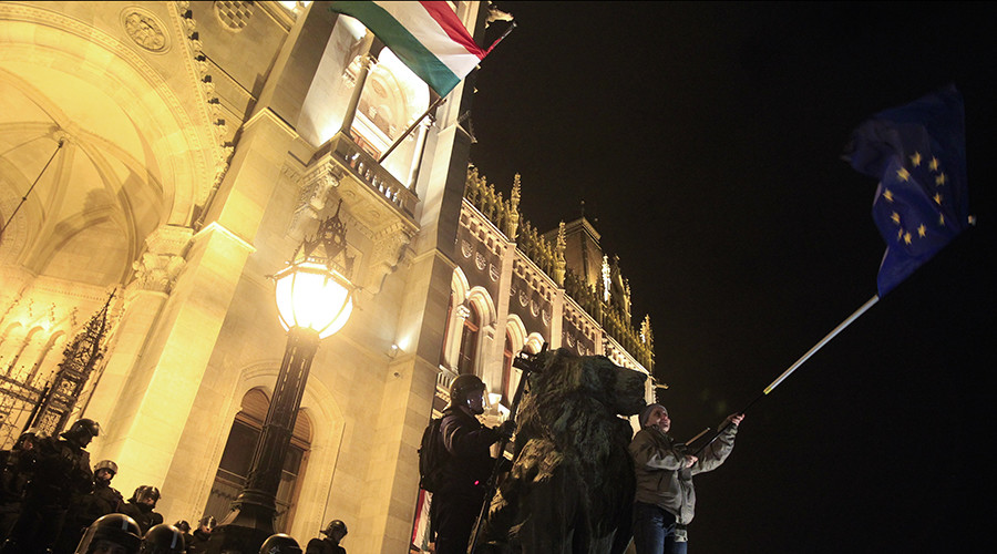 'Let's Stop Brussels' – Orban's govt asks Hungarians how to deal with EU policies