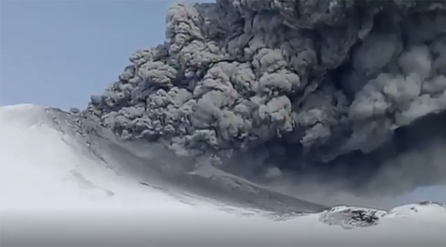 2 volcanos spew ash in Russia's quake-rattled Kamchatka