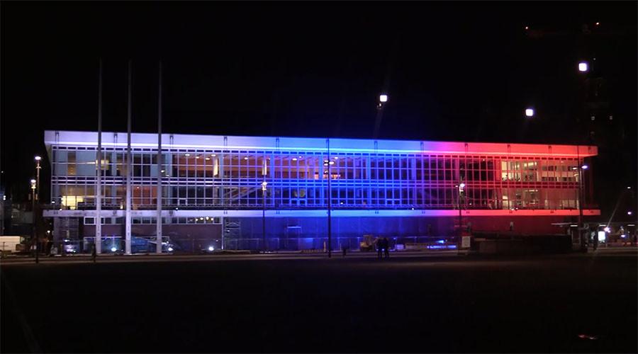 Light of hope: Global landmarks commemorate St. Petersburg blast victims (PHOTOS, VIDEO)