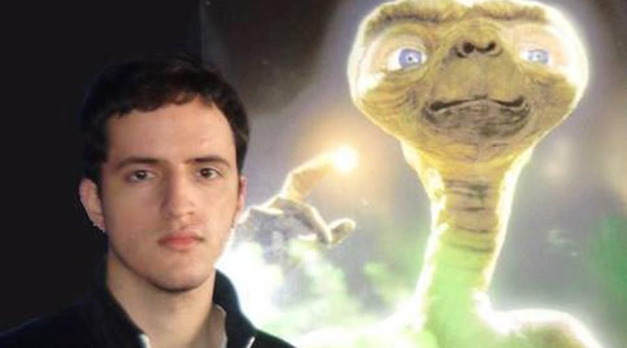 Alien-obsessed student disappears, leaving behind room full of strange writings (VIDEO)
