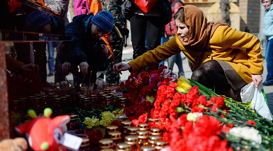 'Always united': Tens of thousands across Russia mourn St. Petersburg Metro blast victims