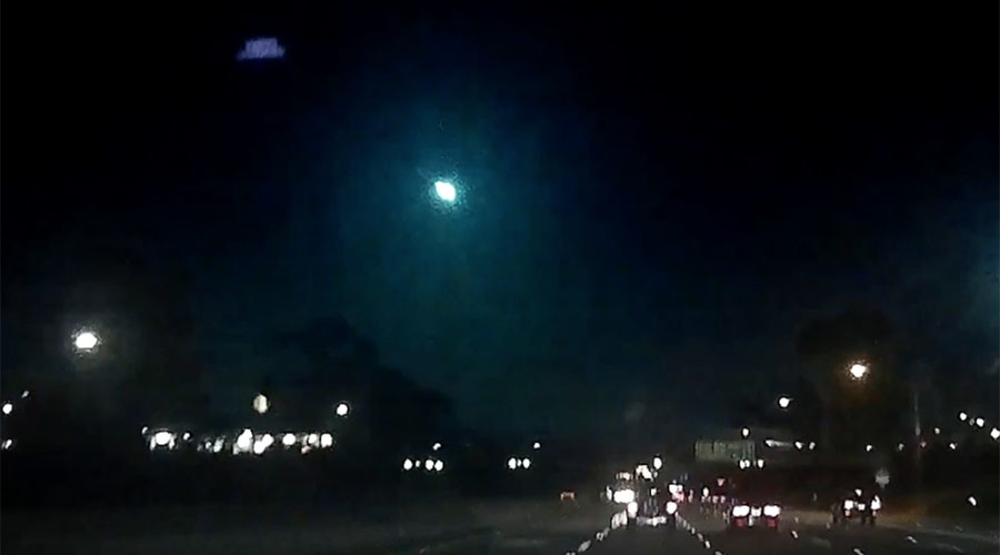 'First human videobombed by fireball': Shooting meteor filmed over California (VIDEOS)