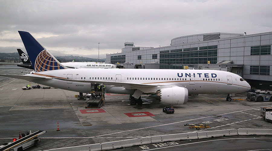 United CEO issues apology to passenger dragged off flight