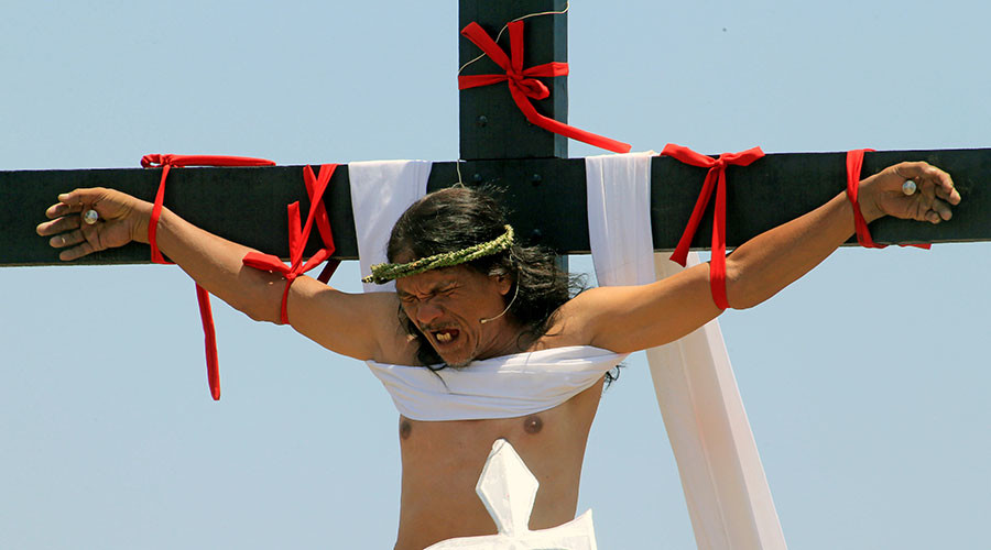 Filipino Catholics crucify themselves in gruesome Easter reenactment (GRAPHIC VIDEO)