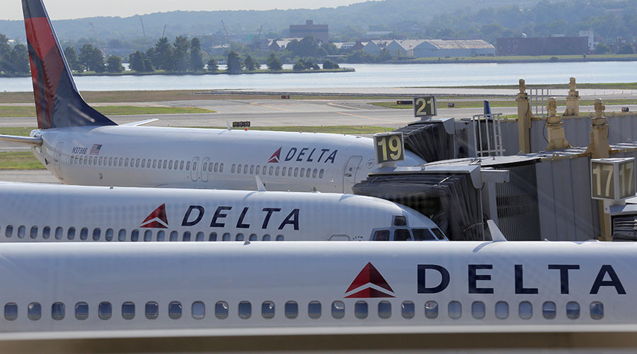 United Airlines fallout: Delta to offer up to $10,000 incentive to give up your seat