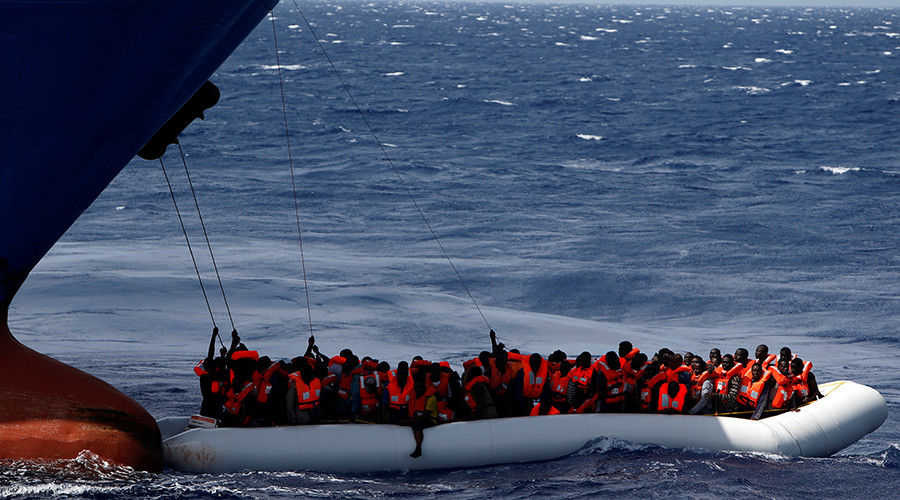 At least 20 drown off Libya coast as rescuers struggle with spring influx (PHOTOS)