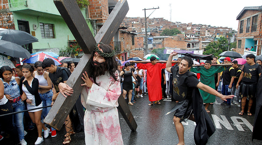 Crocodile hunting and crucifixion: 7 weird ways Easter was celebrated around the world (VIDEOS)