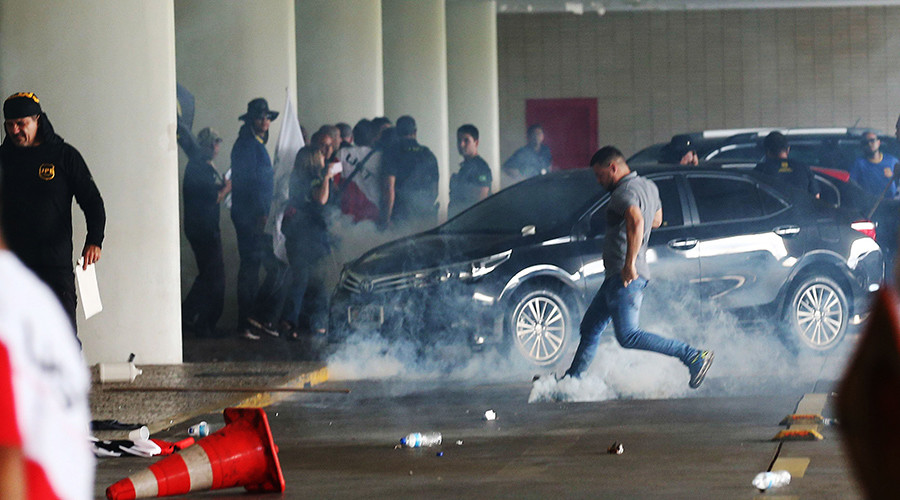 Blue on blue: Police unions teargassed as they storm Brazilian Congress over looming pension reform