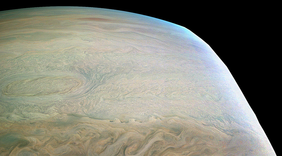 Jupiter close-up: Juno snaps stunning image of planet's swirling clouds (PHOTO)