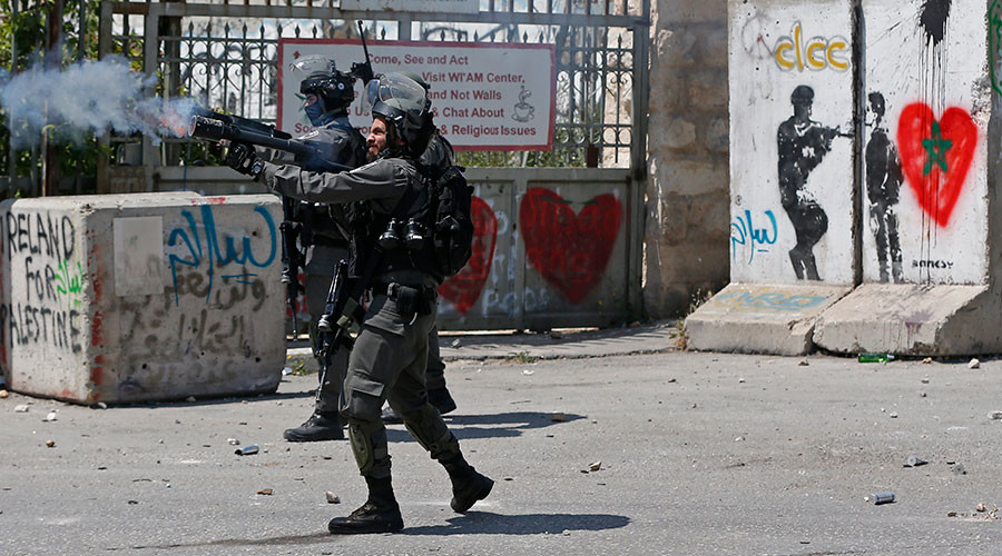 IDF uses stun grenades, tear gas to disperse rally in support of Palestinian hunger strikers (VIDEO)