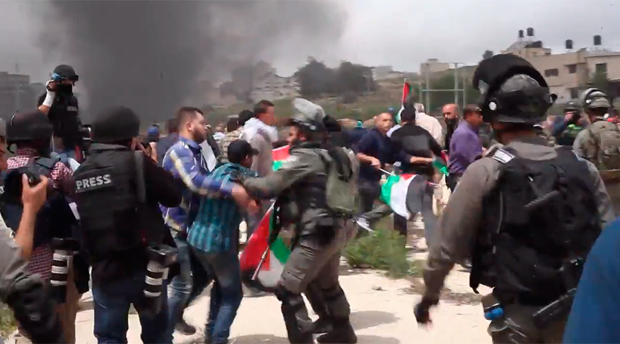 Clashes erupt in West Bank at protest over Palestinian hunger strike (VIDEO)