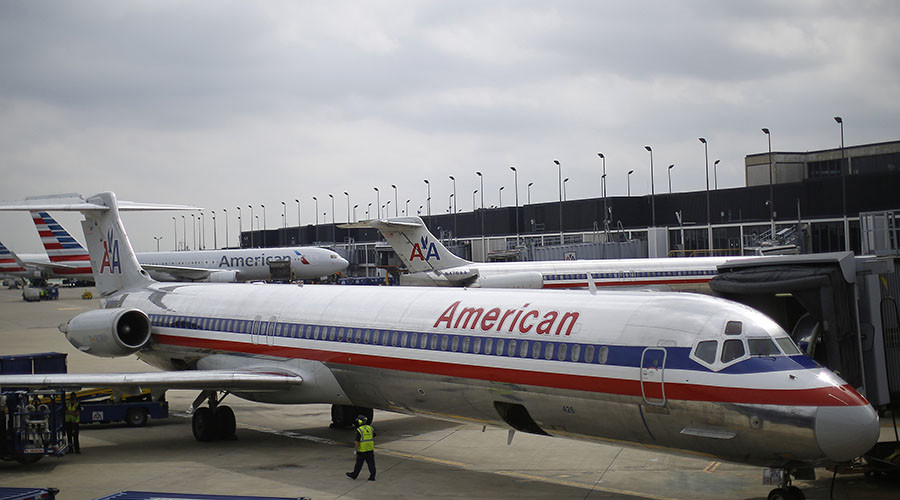 Lawyer to take on United, American Airlines in recent viral video lawsuits